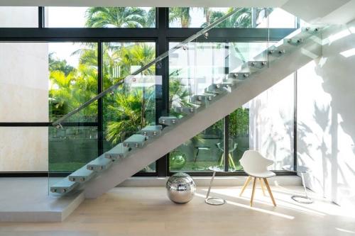 1410 Main Stairs