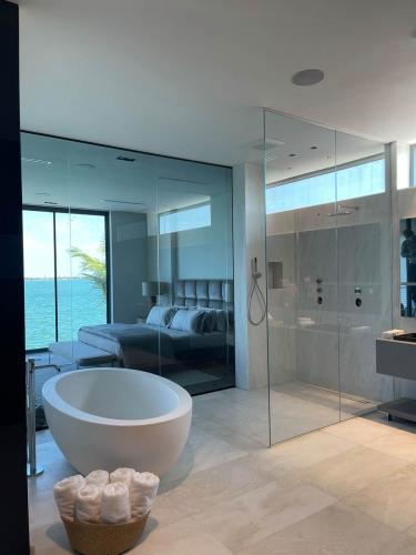 Boschietti Venetian Shower